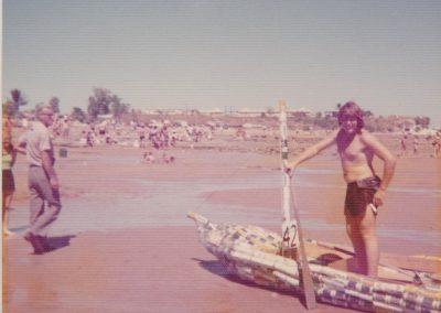 ©DavidRoss- DLBCR-1976-08-Beached
