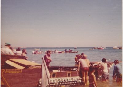 ©DavidRoss- DLBCR-1977-Watching